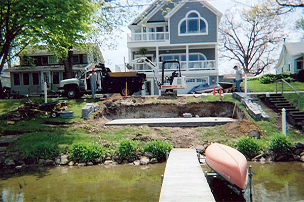 Lakefront beautification green borders lawn and landscape for Lakefront landscaping photos